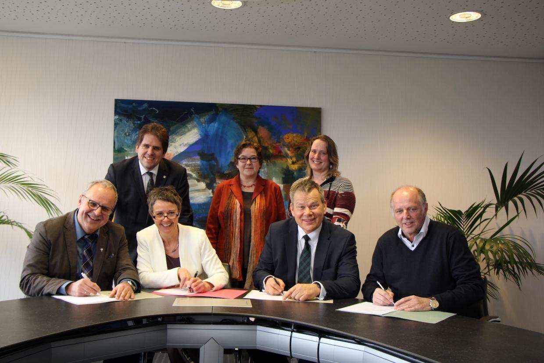 Vereinbarung zur Sucht- und Drogenberatung - Vertragsunterzeichner
